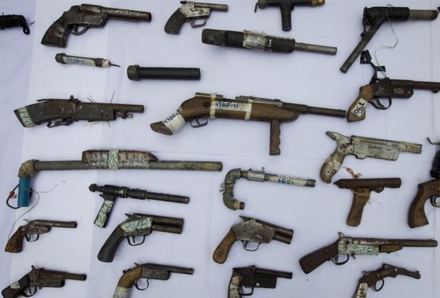pb-120518-guns-jb-01.photoblog900