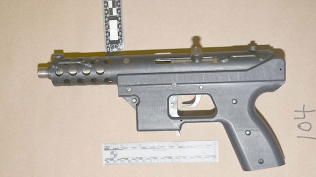 firearmsoffences-submachinegun